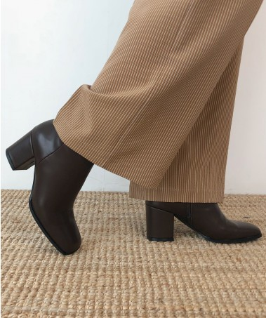 Brownie Ankle Boots_Brown